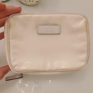 White Gucci make up case zipper small bag